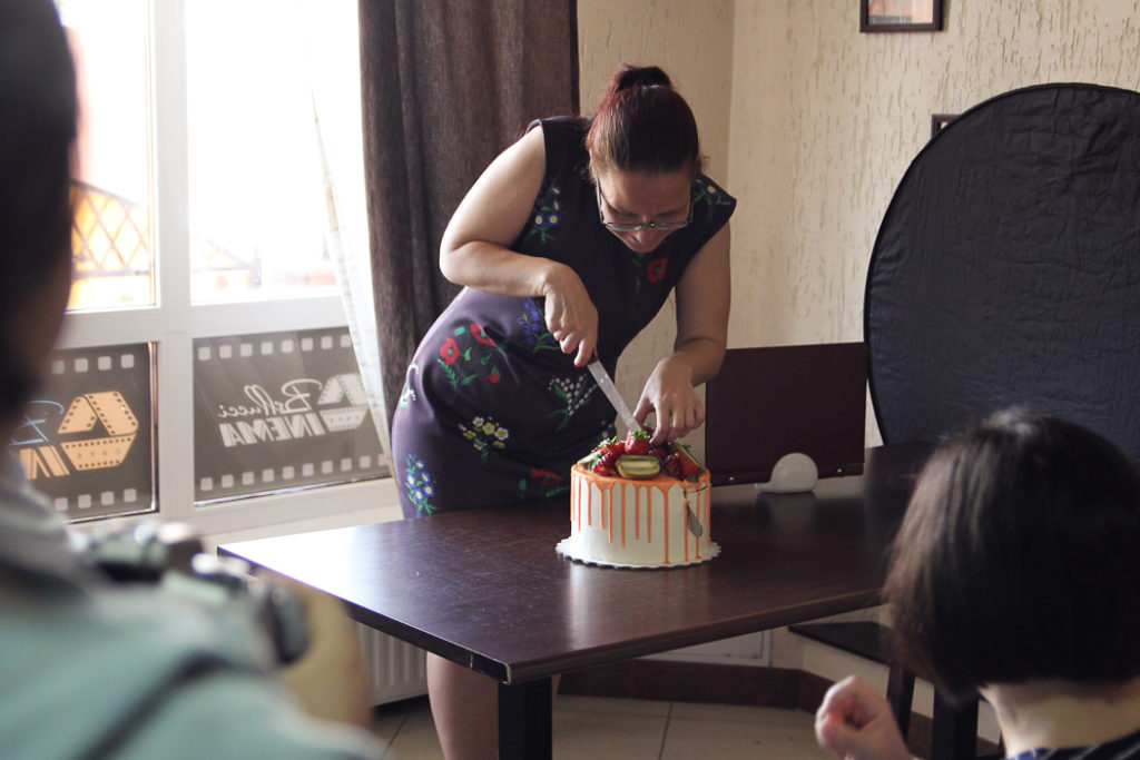 разрезаем торт на мк