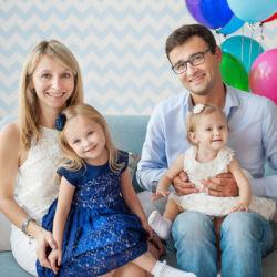 Семья с дочками