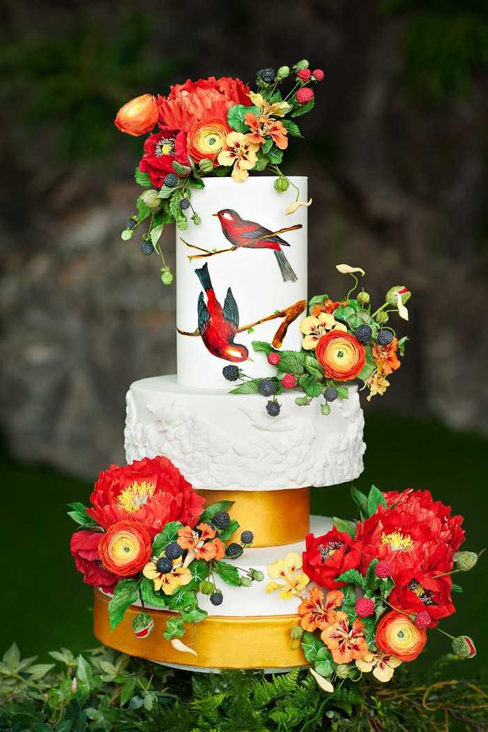 Большой торт с цветами