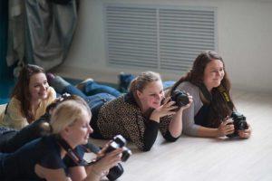 ученики курса основы фотосъемки детей с животными